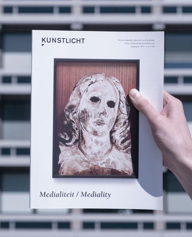 Vol. 32, 2011, no. 3, Mediality